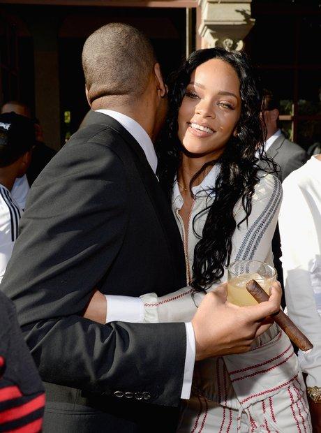 Rihanna Jay Z Hugging