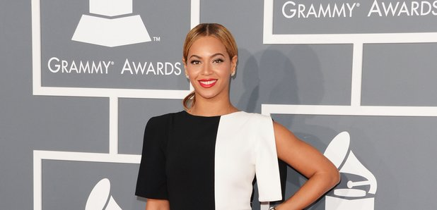 Beyonce wearing monochrome at Grammys.