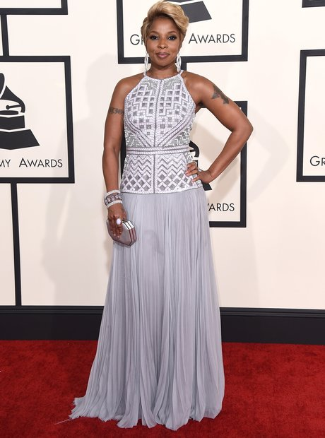 Mary J. Blige arrives at the Grammy Awards 2015