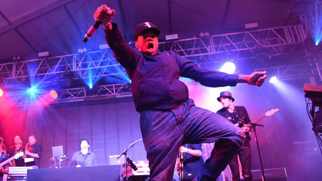 watch chance the rapper cover fresh prince and notorious b i g at bonnaroo capital xtra. Black Bedroom Furniture Sets. Home Design Ideas