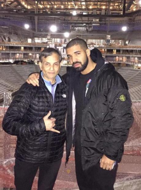 Drake Sacramento Arena