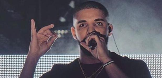 Drake Performing wearing black t shirt
