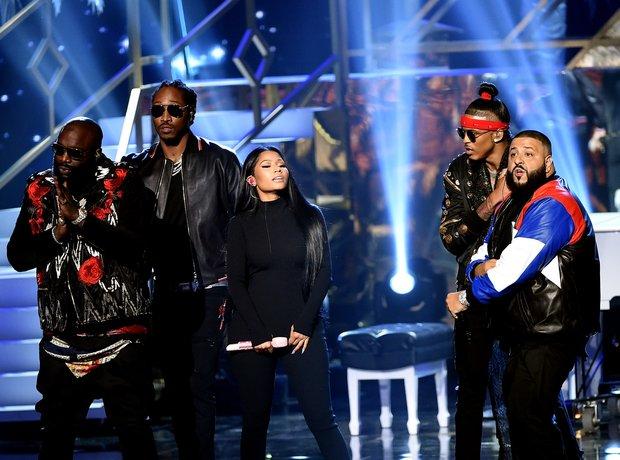 DJ Khaled Nicki Minaj and co perform 'Do You Mind?